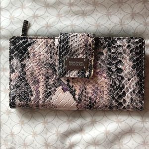 Kenneth Cole Reaction Snake Skin Pattern wallet